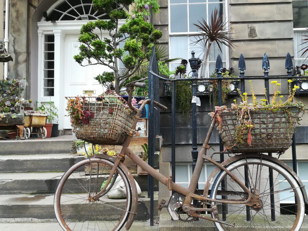 Las bicicletas forman parte de la vida en Edimburgo. Foto: Laura Medina Alemán